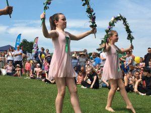 Ballet performance in Lowndes Park for Chesham Carnival